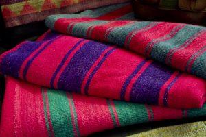 2 maneras fáciles de limpiar la manta de alpaca