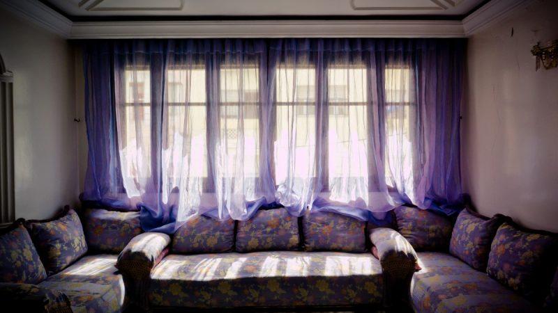 ¿Cómo colgar cortinas plisadas? En 7 sencillos pasos