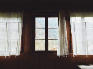 ¿Cómo cubrir cortinas transparentes? ¡De 5 maneras asombrosas!