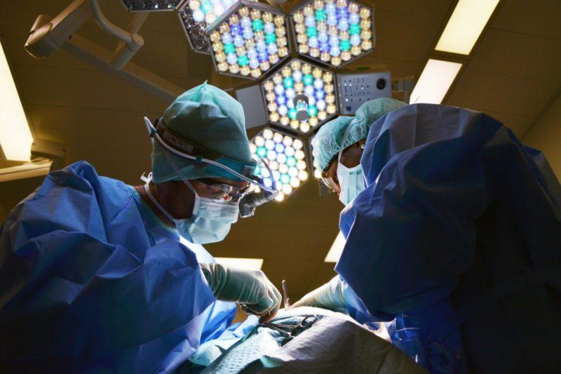 ¿Cuánto cuesta una amigdalectomía sin seguro? ¡2 condiciones alarmantes que puede considerar para aprovechar el seguro!
