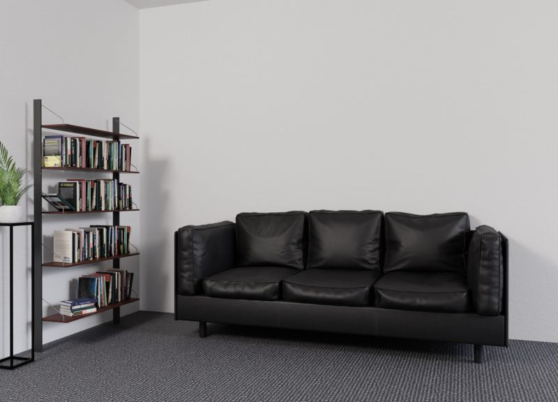 Cómo arreglar resortes hundidos en un sofá de dos plazas