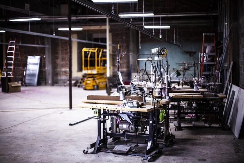 Cómo hacer que una máquina de coser se eleve en solo 3 pasos
